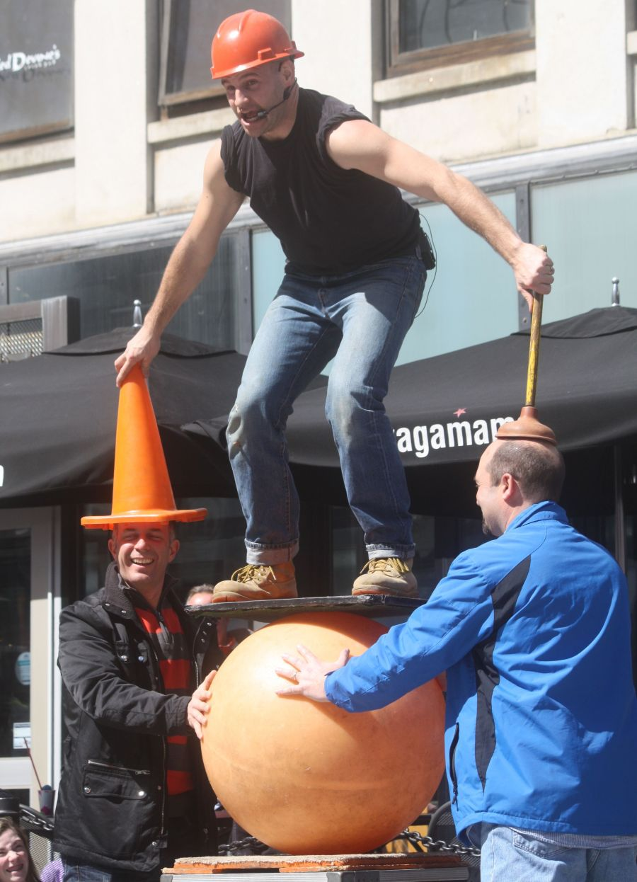 boston faneuil hall brett mccoy real mccoy comedy that works street performer 15