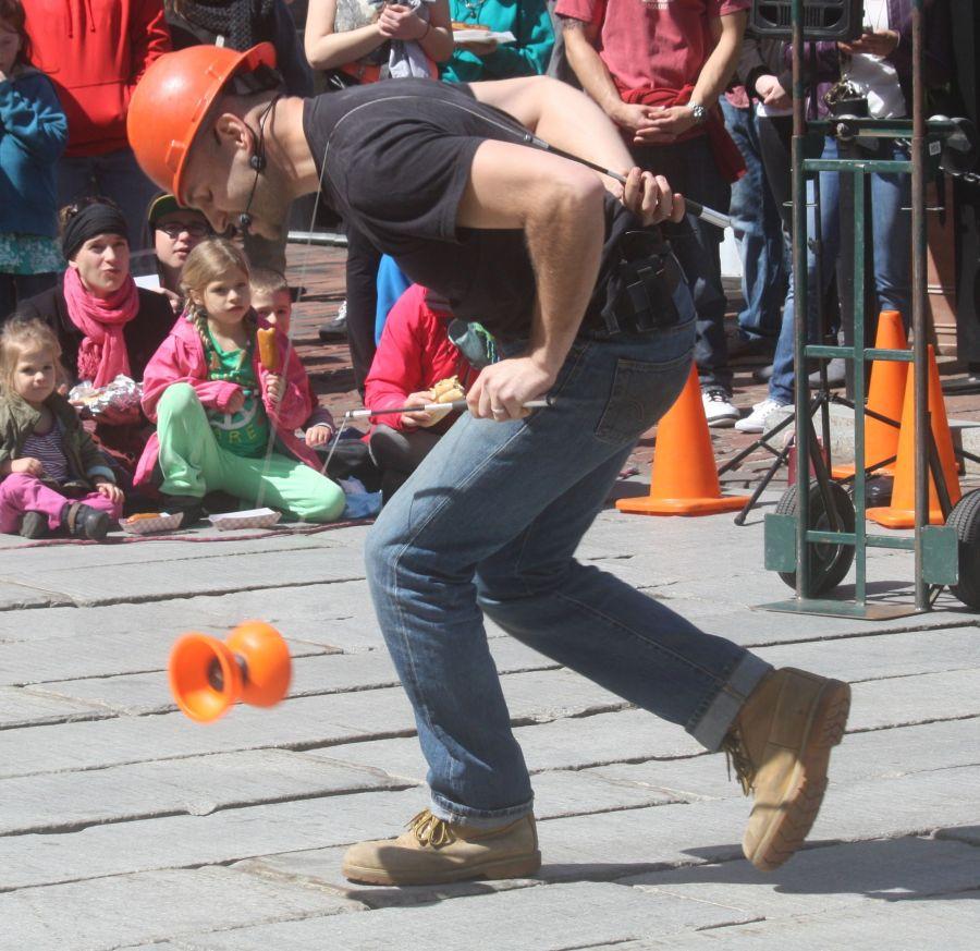 boston faneuil hall brett mccoy real mccoy comedy that works street performer 7