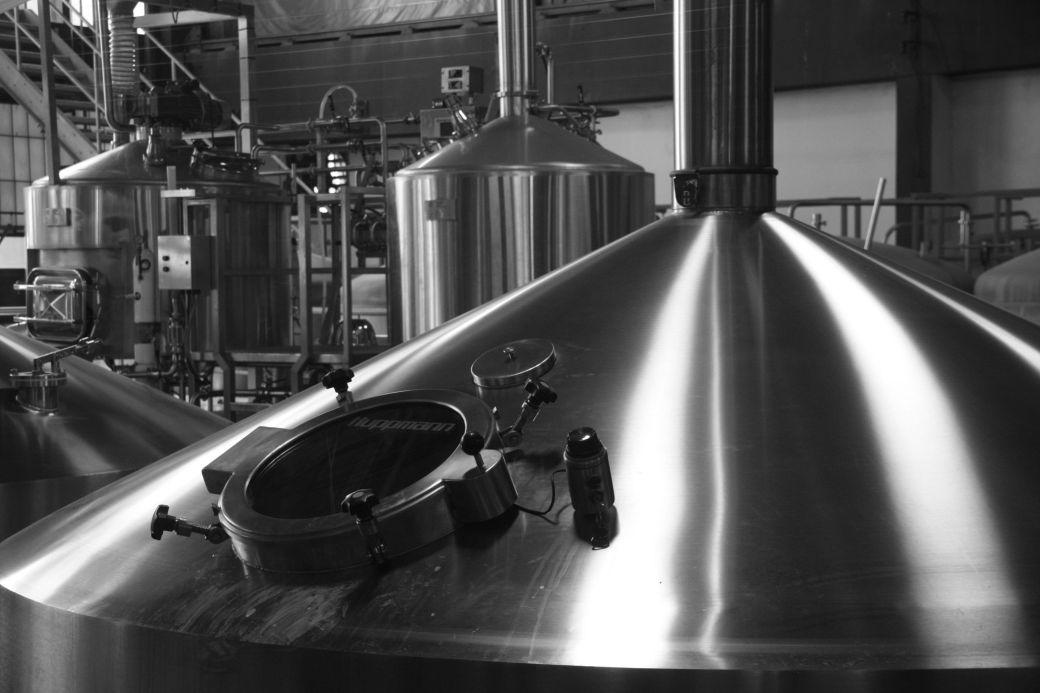 boston harpoon brewery brew tank 2