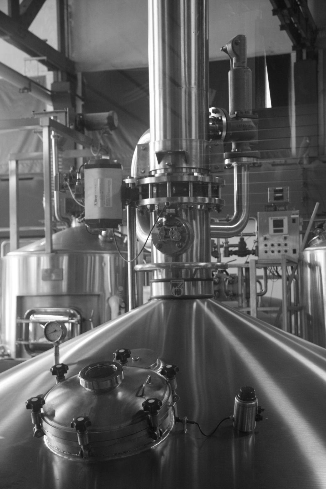 boston harpoon brewery brew tank 3
