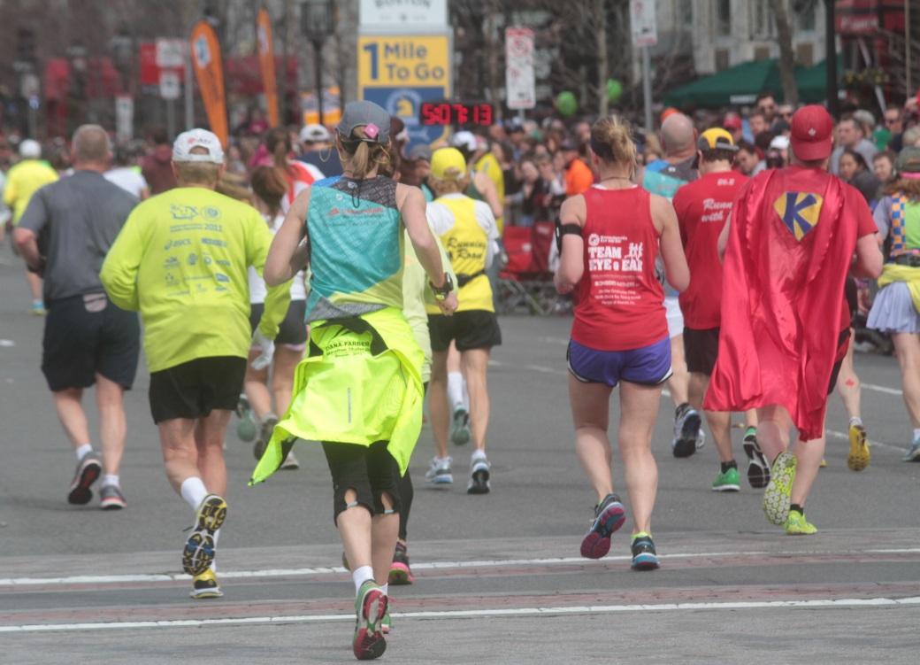 boston marathon 2013 1 mile to go