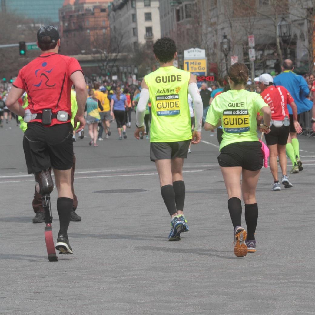 boston marathon 2013 prosthetic leg marathon runner with guides
