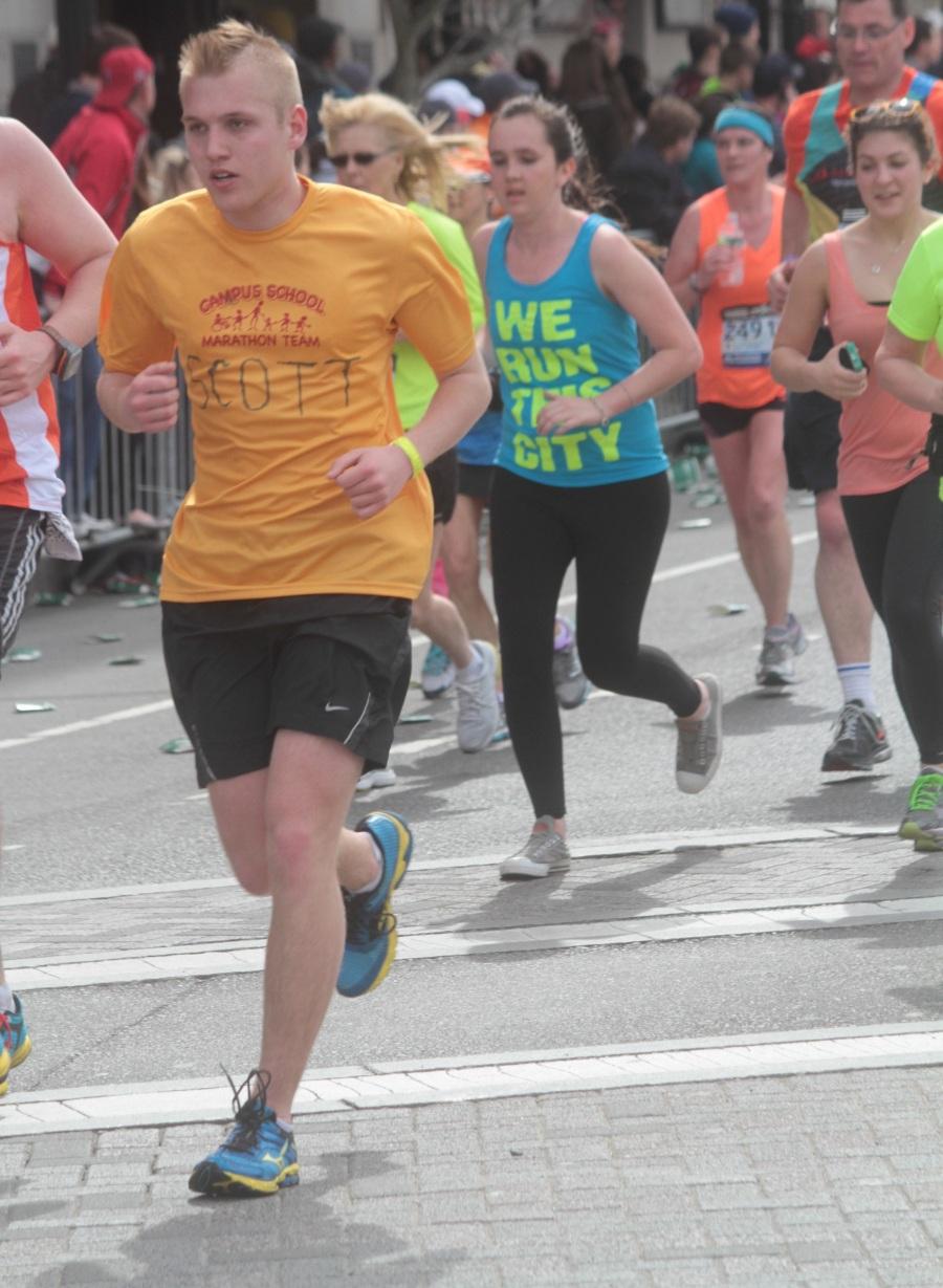 boston marathon 2013 scott yellow shirt