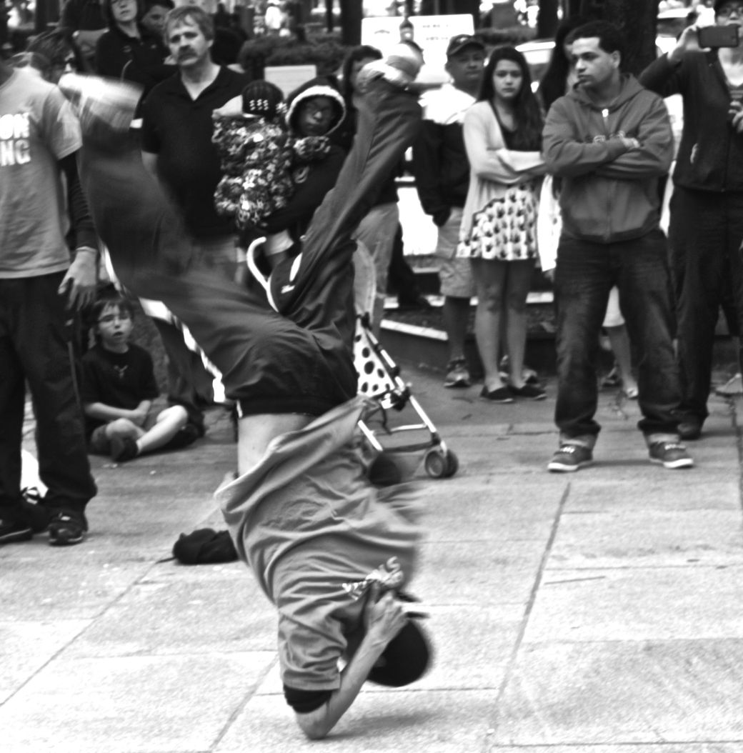 boston faneuil hall street performer elbow stand