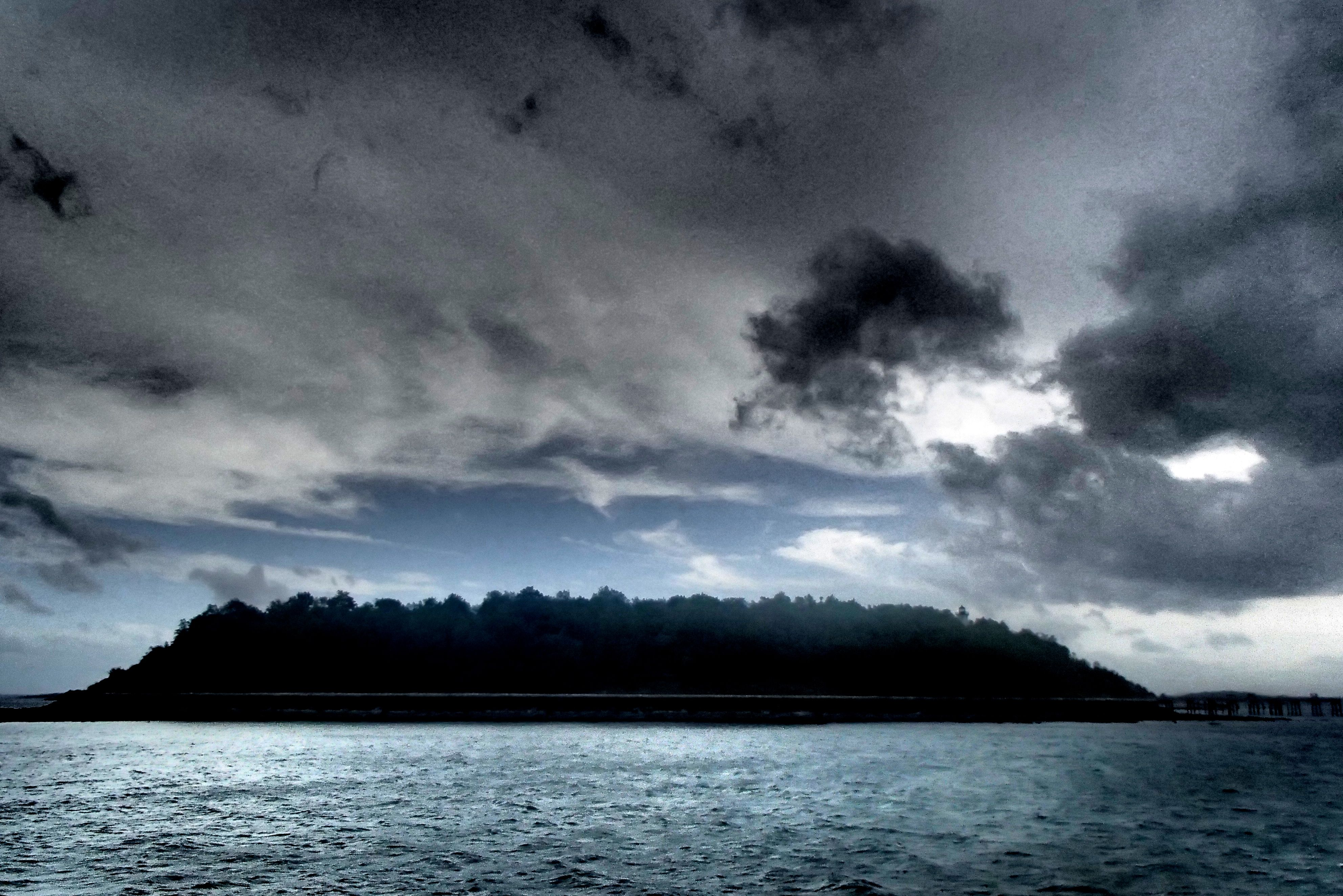 Dark Island That movie thing again
