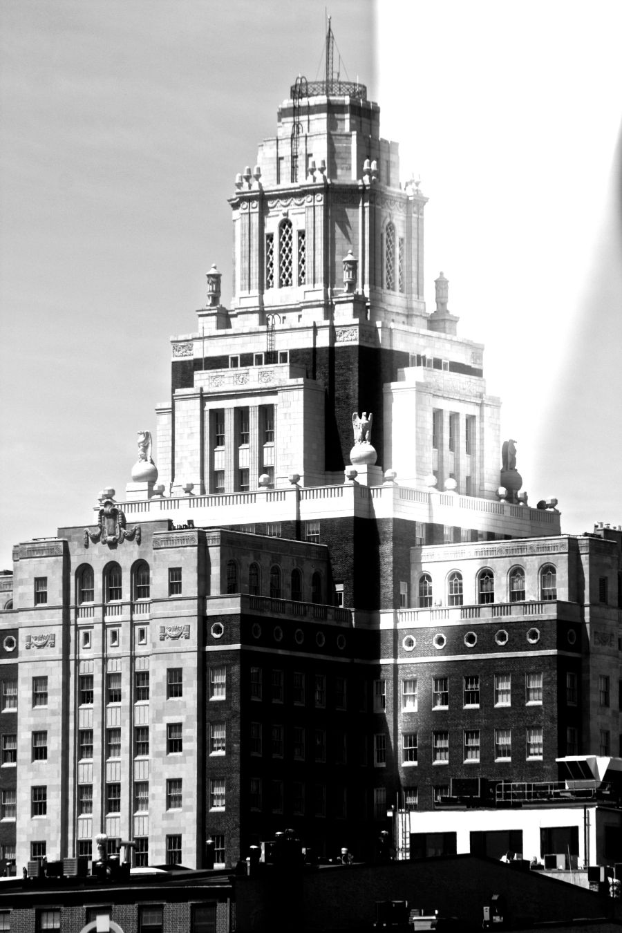 philadelphia penns landing big building