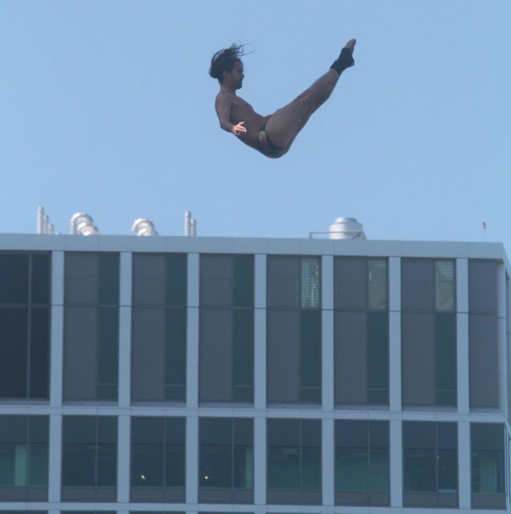 boston institute of contemporary art red bull diving competition august 25 2013 orlando duque 1