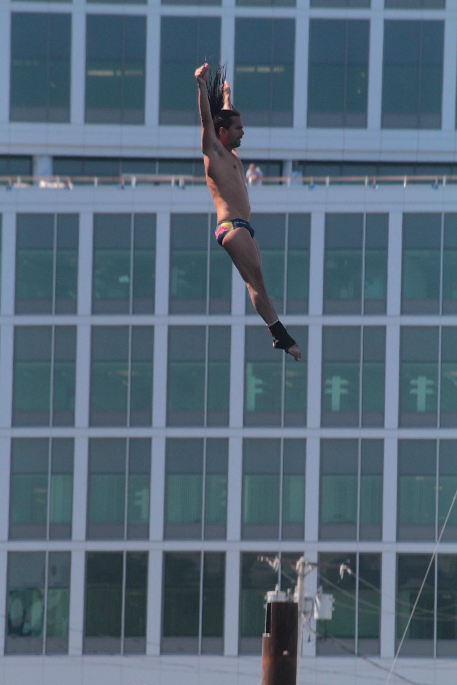boston institute of contemporary art red bull diving competition august 25 2013 orlando duque 6