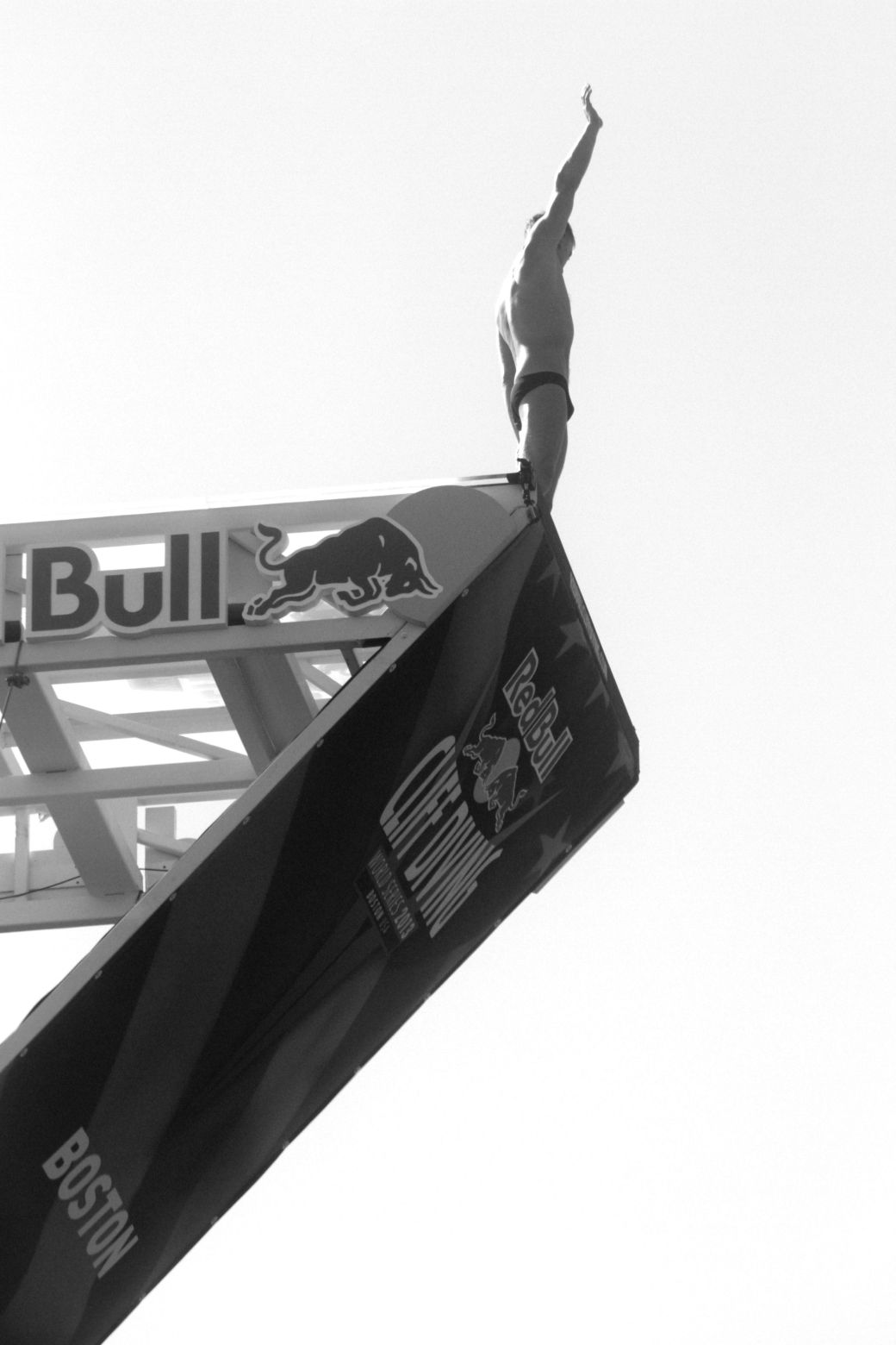 boston red bull diving contest august 25 institute of contemporary art contrast photos 7