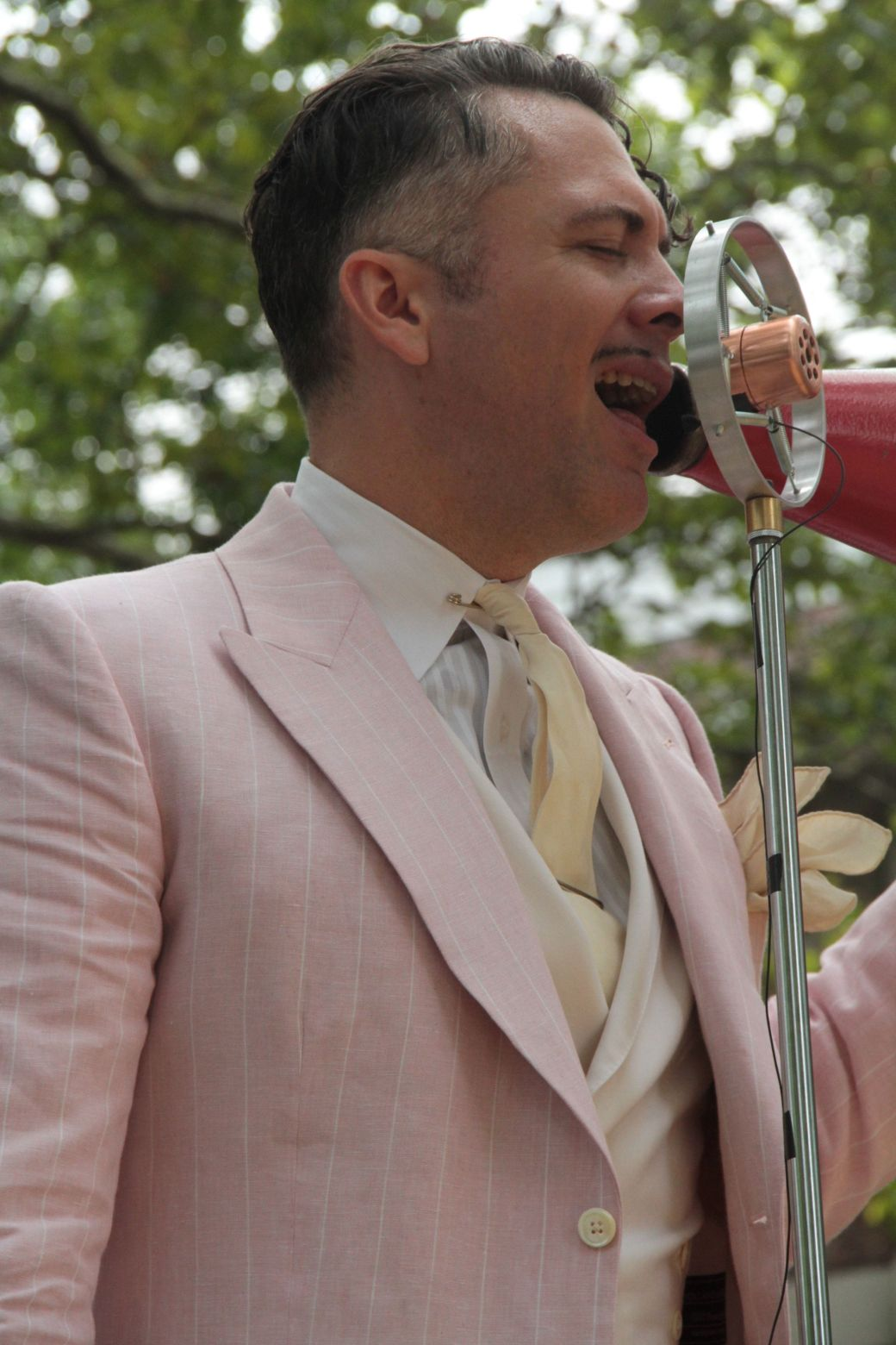 new york city governors island 20 jazz age party 2013 michael arenella with megaphone side view
