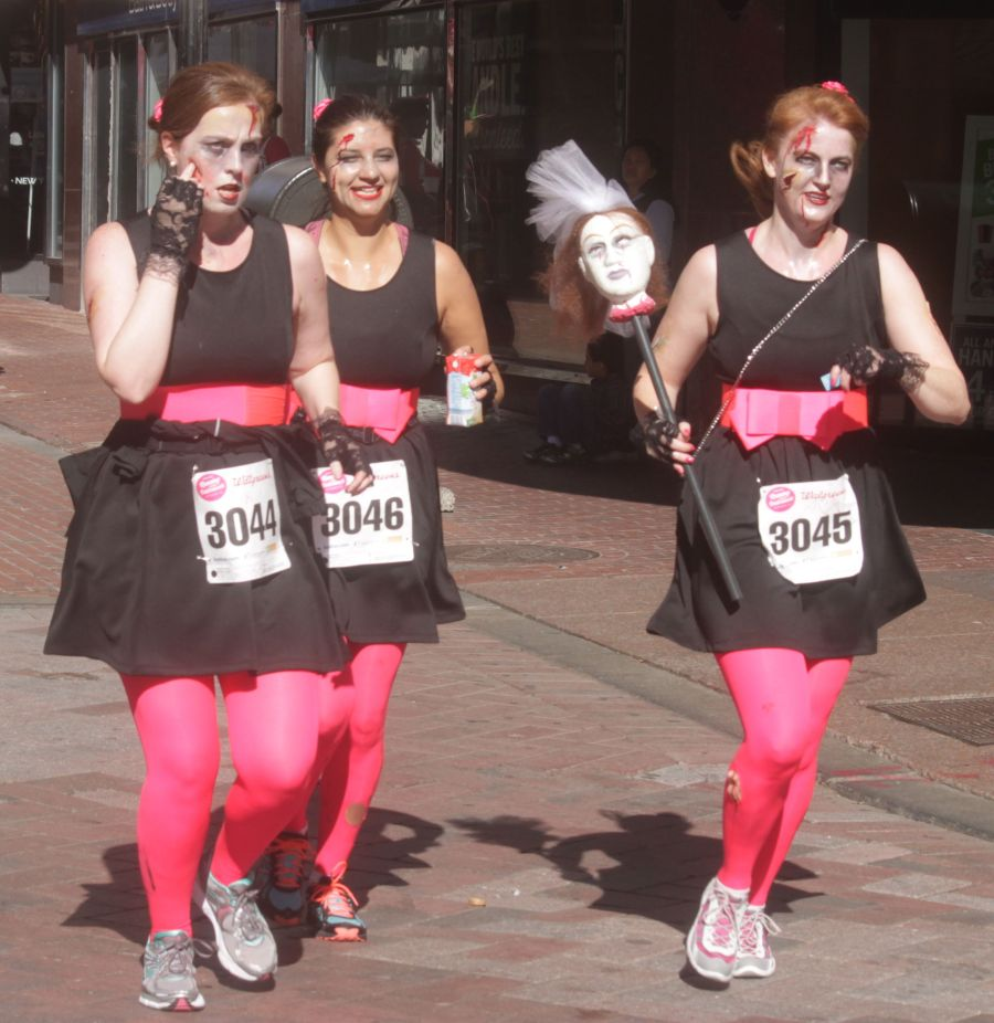 boston running with bridesmaids 2013 45