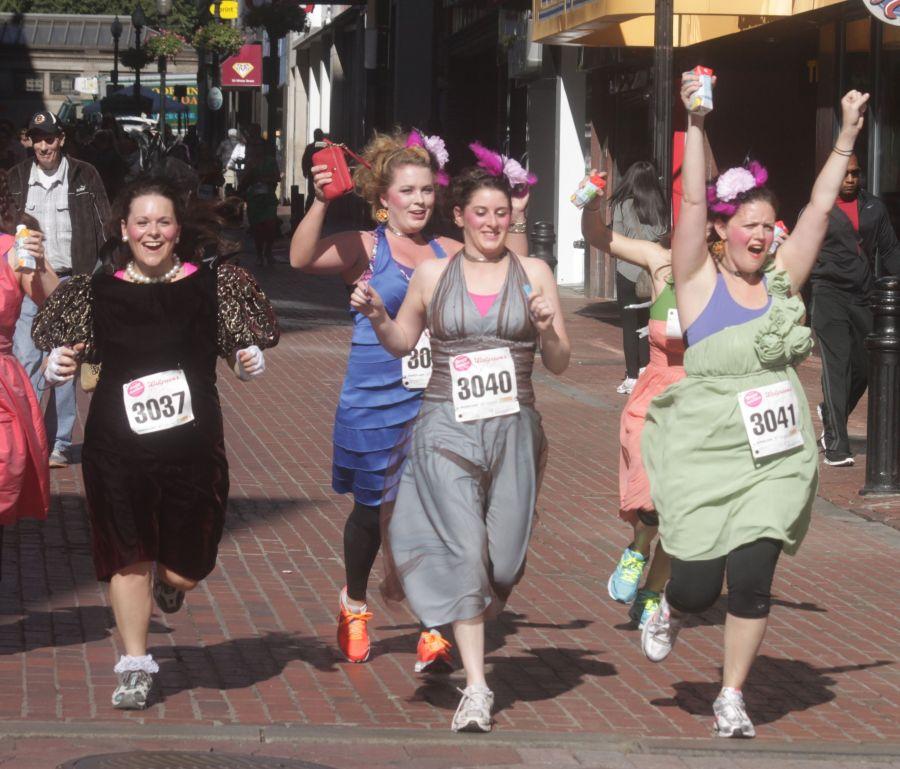 boston running with bridesmaids 2013 47