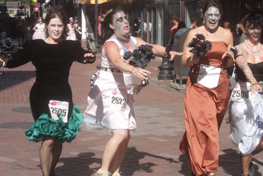 boston running with bridesmaids 2013 50