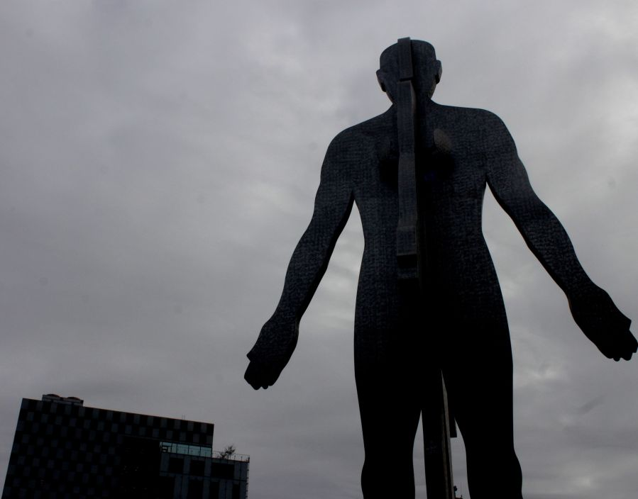 baltimore penn station Jonathan Borofsky's Male:Female statue black white 3