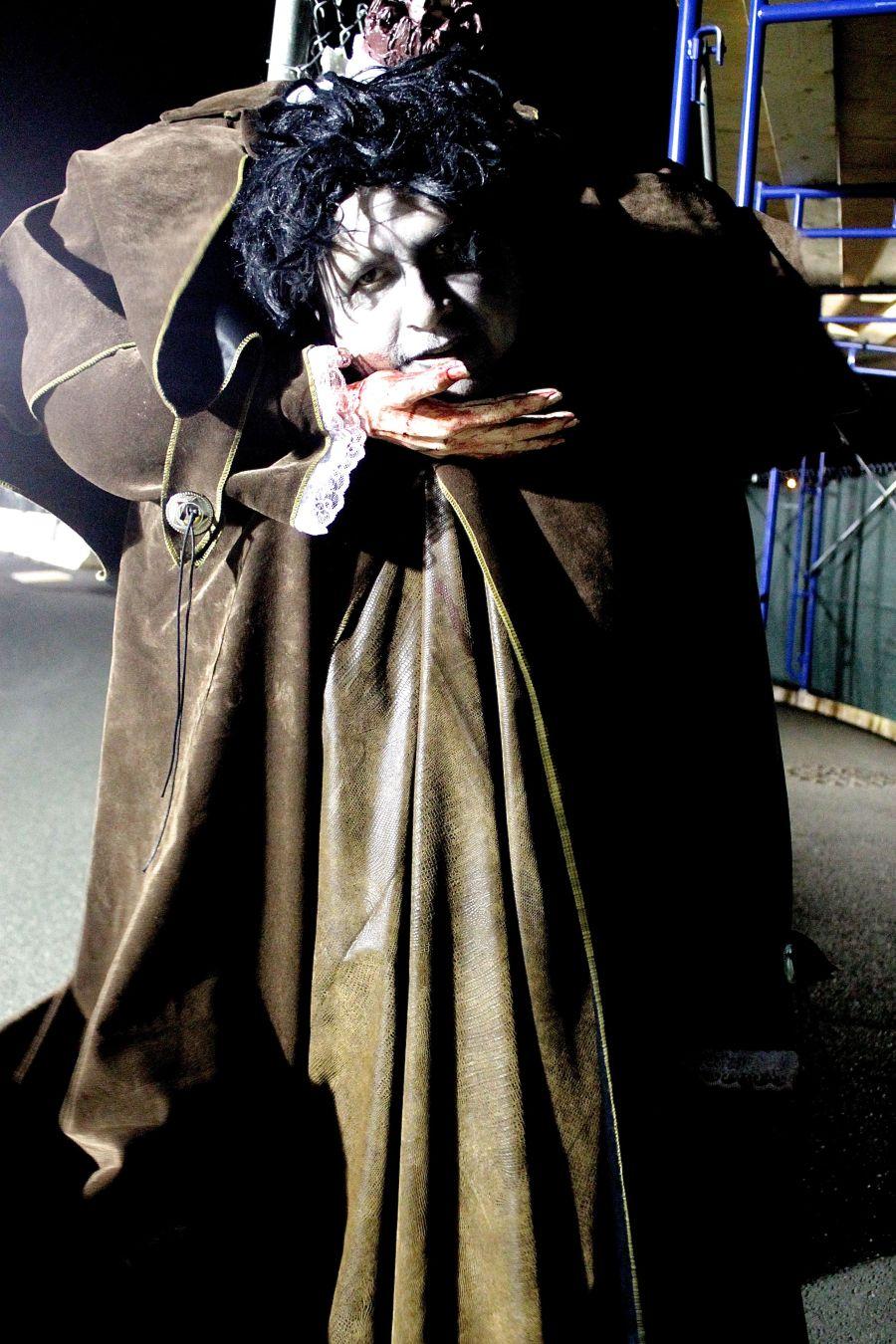 salem halloween 2013 headless costume