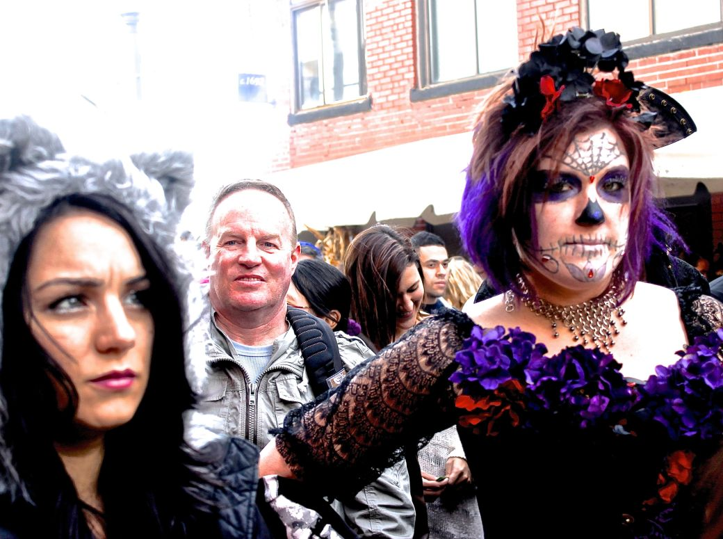 salem halloween 2013 woman in purple costume