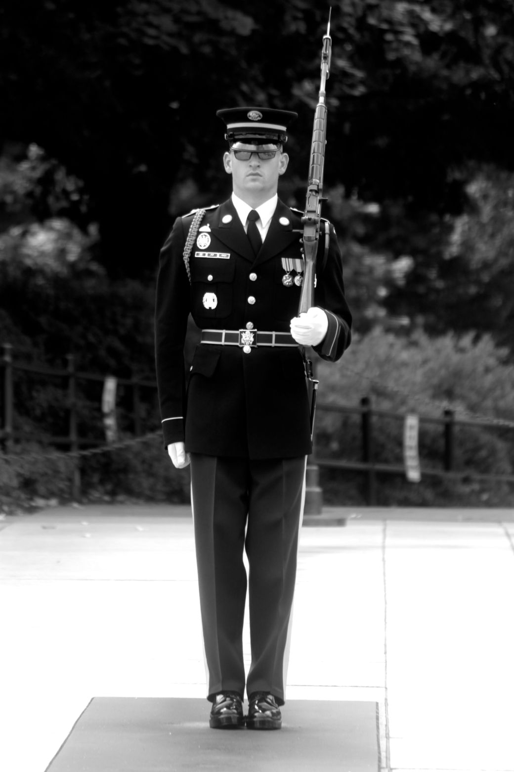 washington dc arlington national cemetery guard at the tomb of the unknown soldier 7