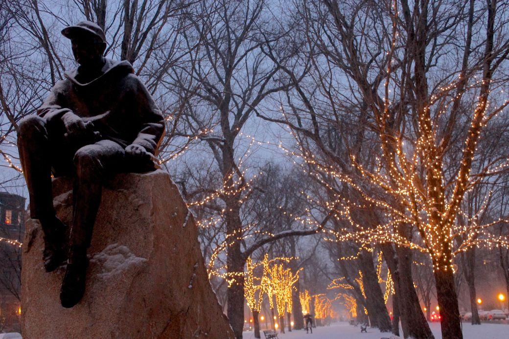 boston commonwealth avenue snow december 14 9
