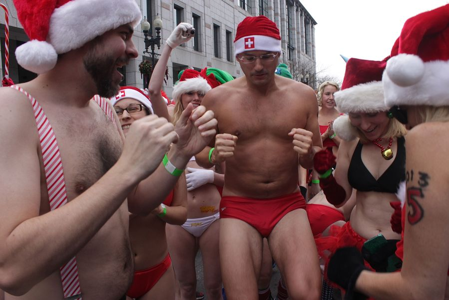 boston santa speedo run december 14 10