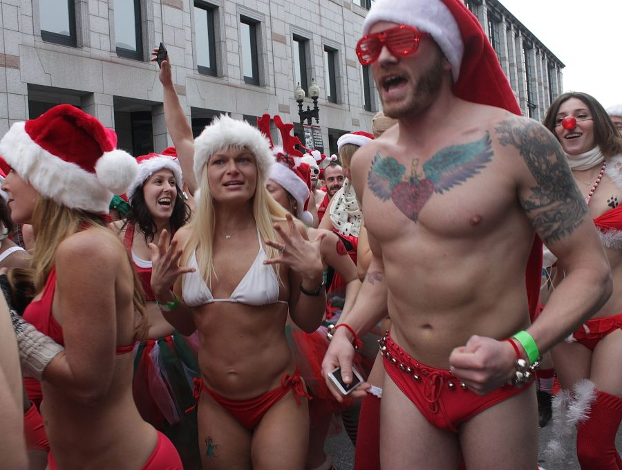 boston santa speedo run december 14 32