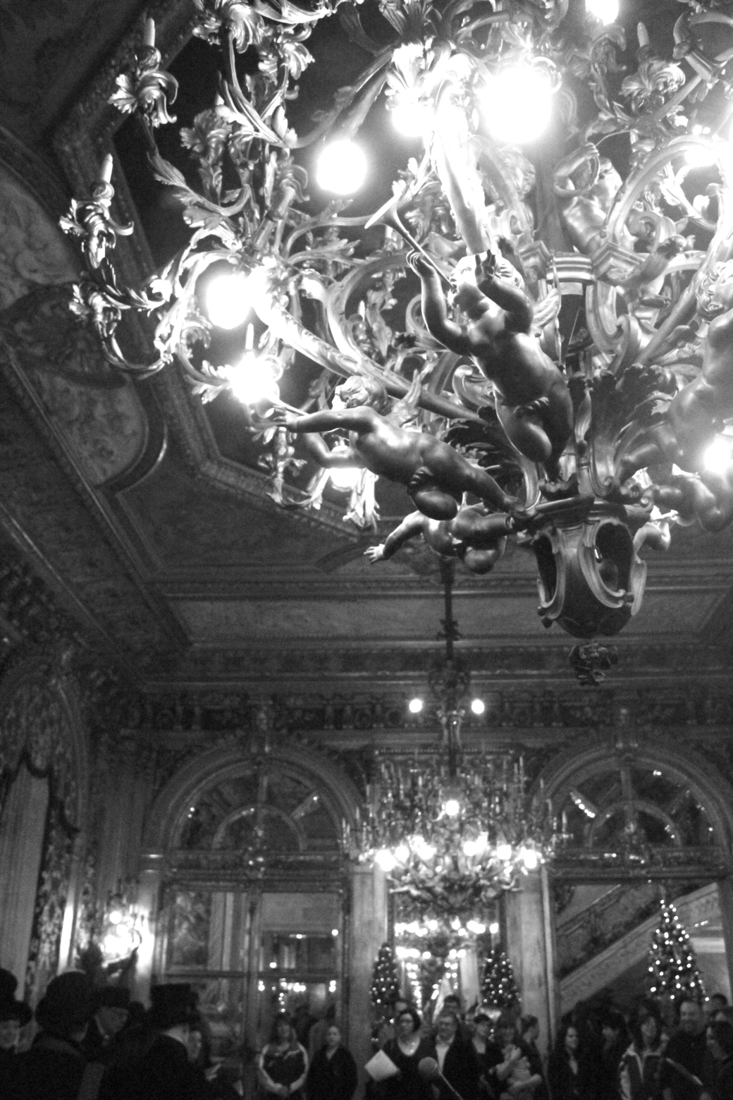 newport marble house chandelier gold room