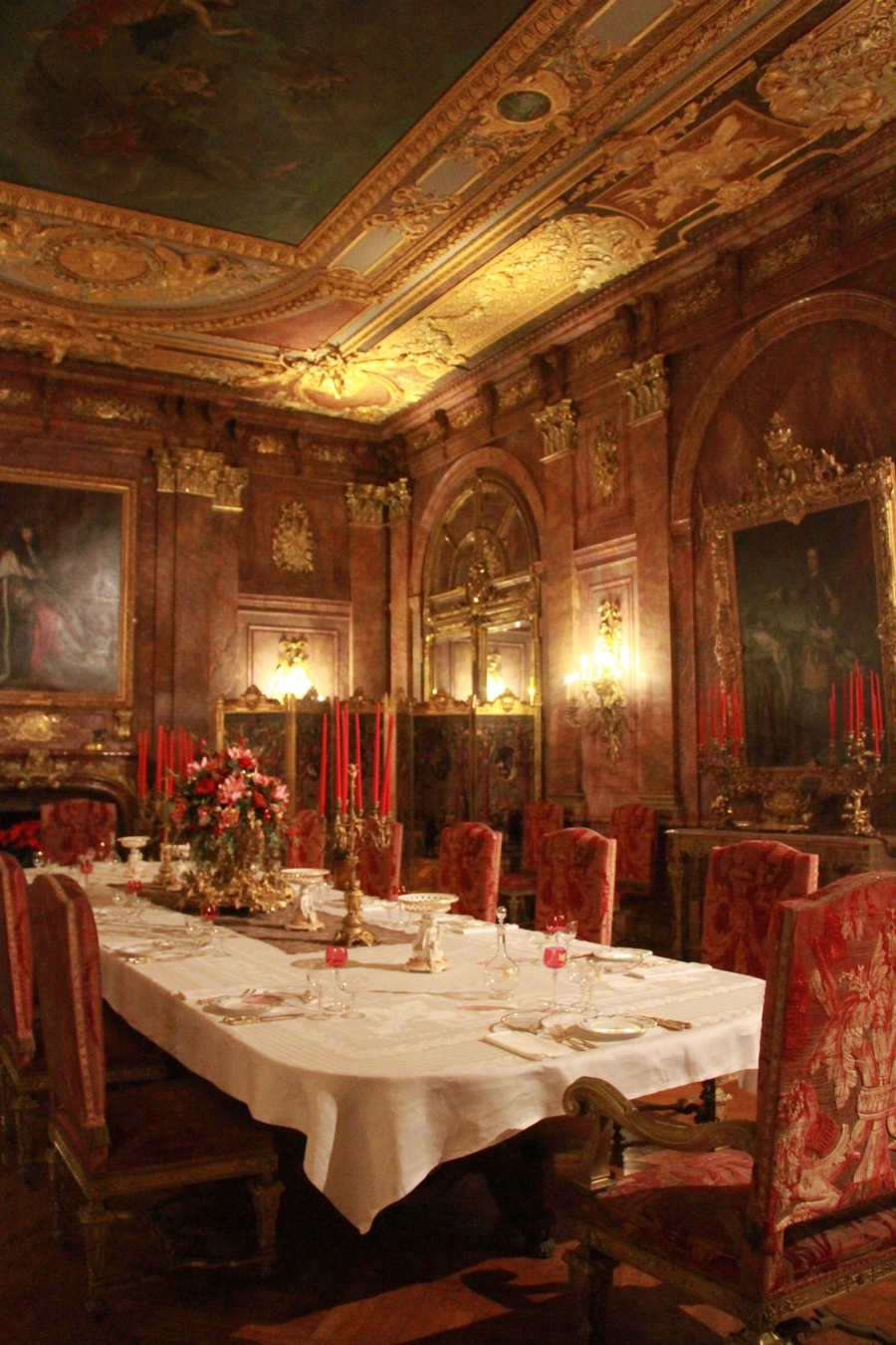 newport marble house dining room