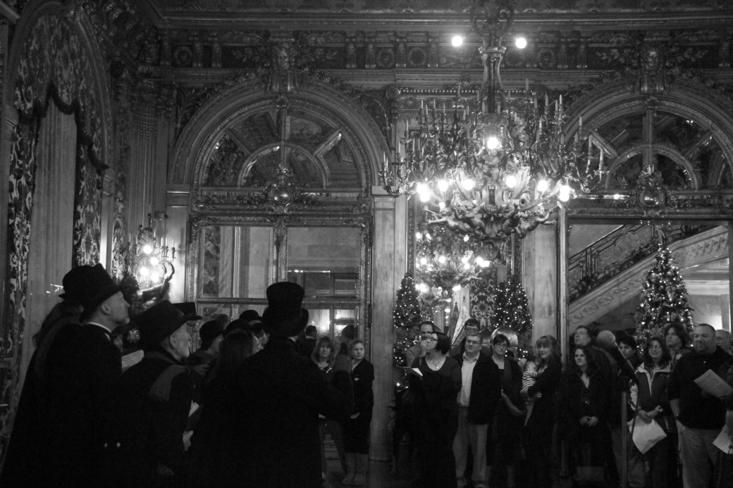 newport marble house gold room carolers 2