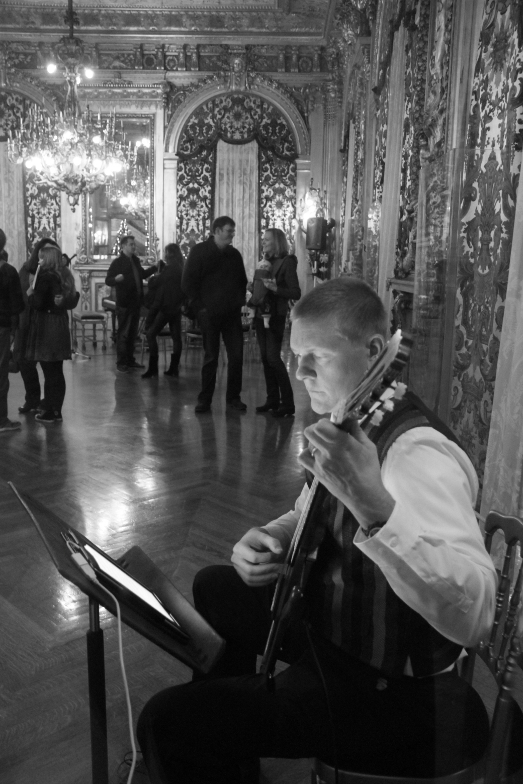 newport marble house gold room guitar player