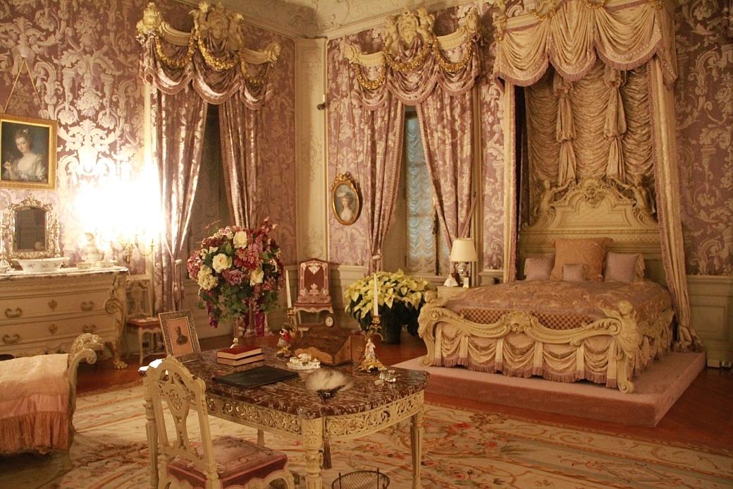 newport marble house pink bedroom