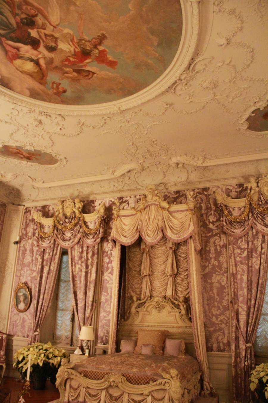 newport marble house pink room ceiling