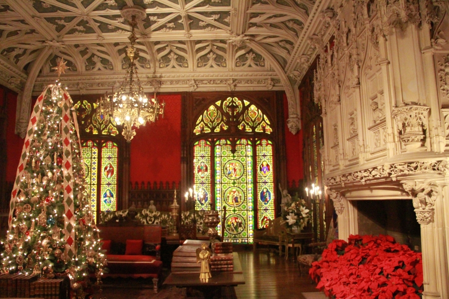 newport marble house vaulted ceiling christmas tree