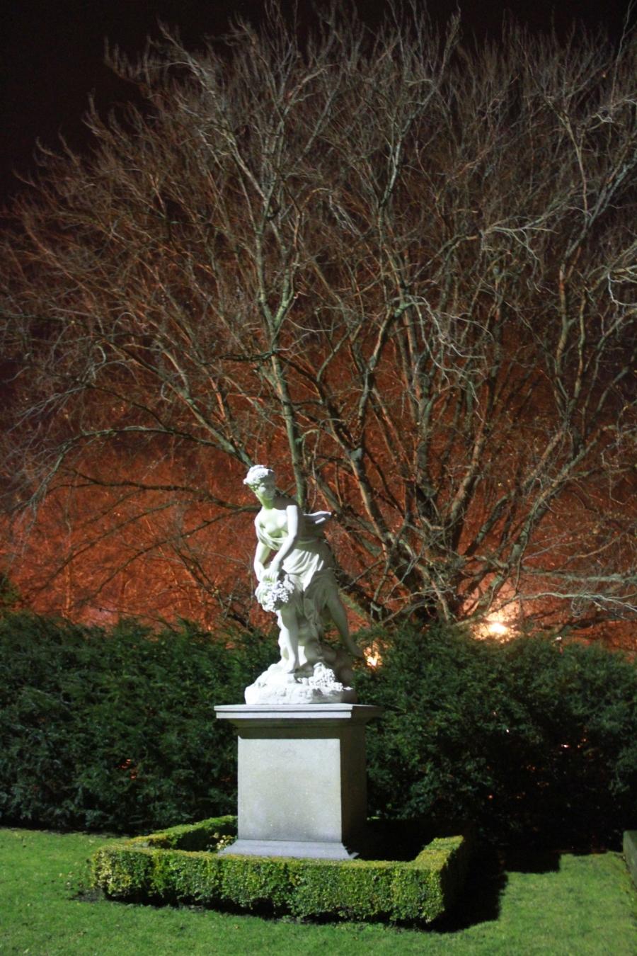 newport the elms garden night 2