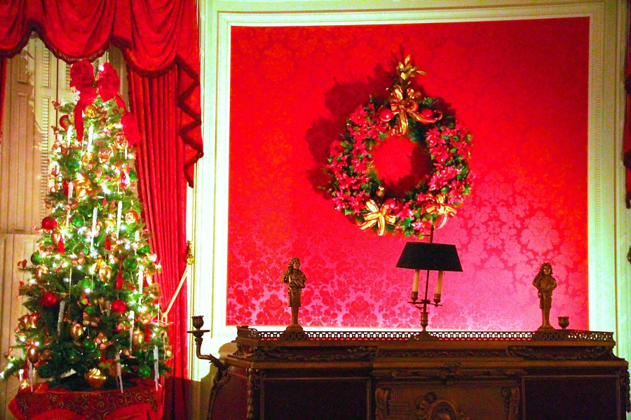 newport the elms upstairs red room