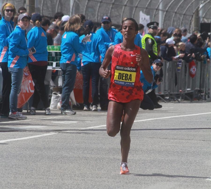 boston marathon april 21 beacon street elite runner buzunesh deba