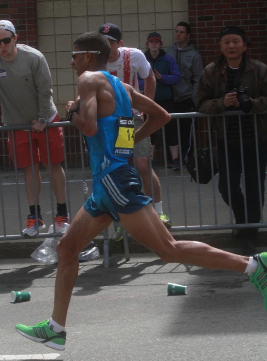 boston marathon april 21 beacon street elite runners adil annani 3