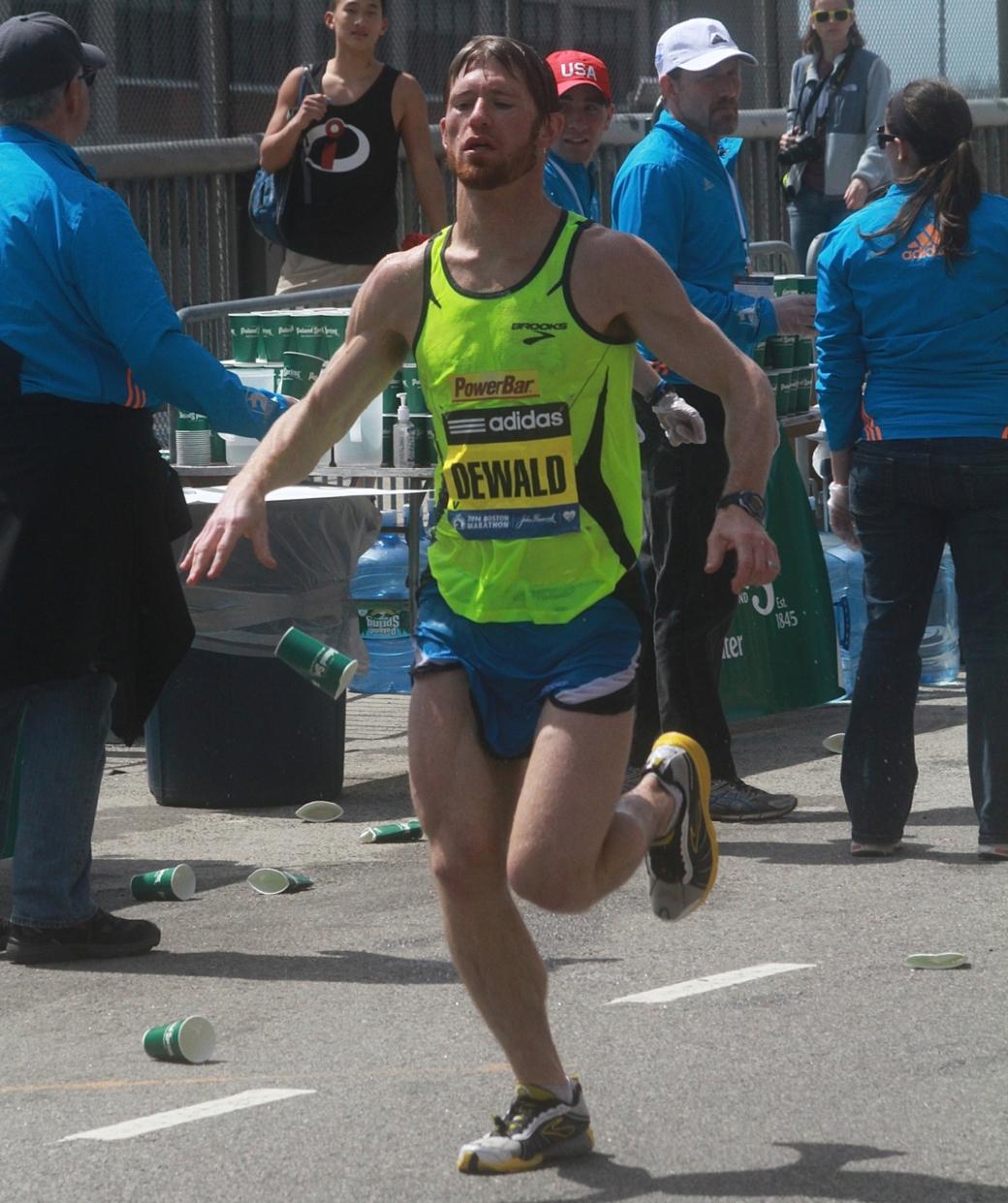 boston marathon april 21 beacon street elite runners dewald 3