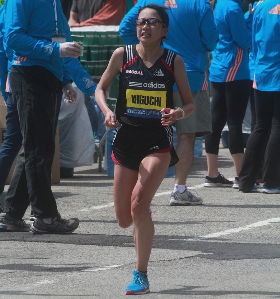 boston marathon april 21 beacon street elite runners noriko higuchi