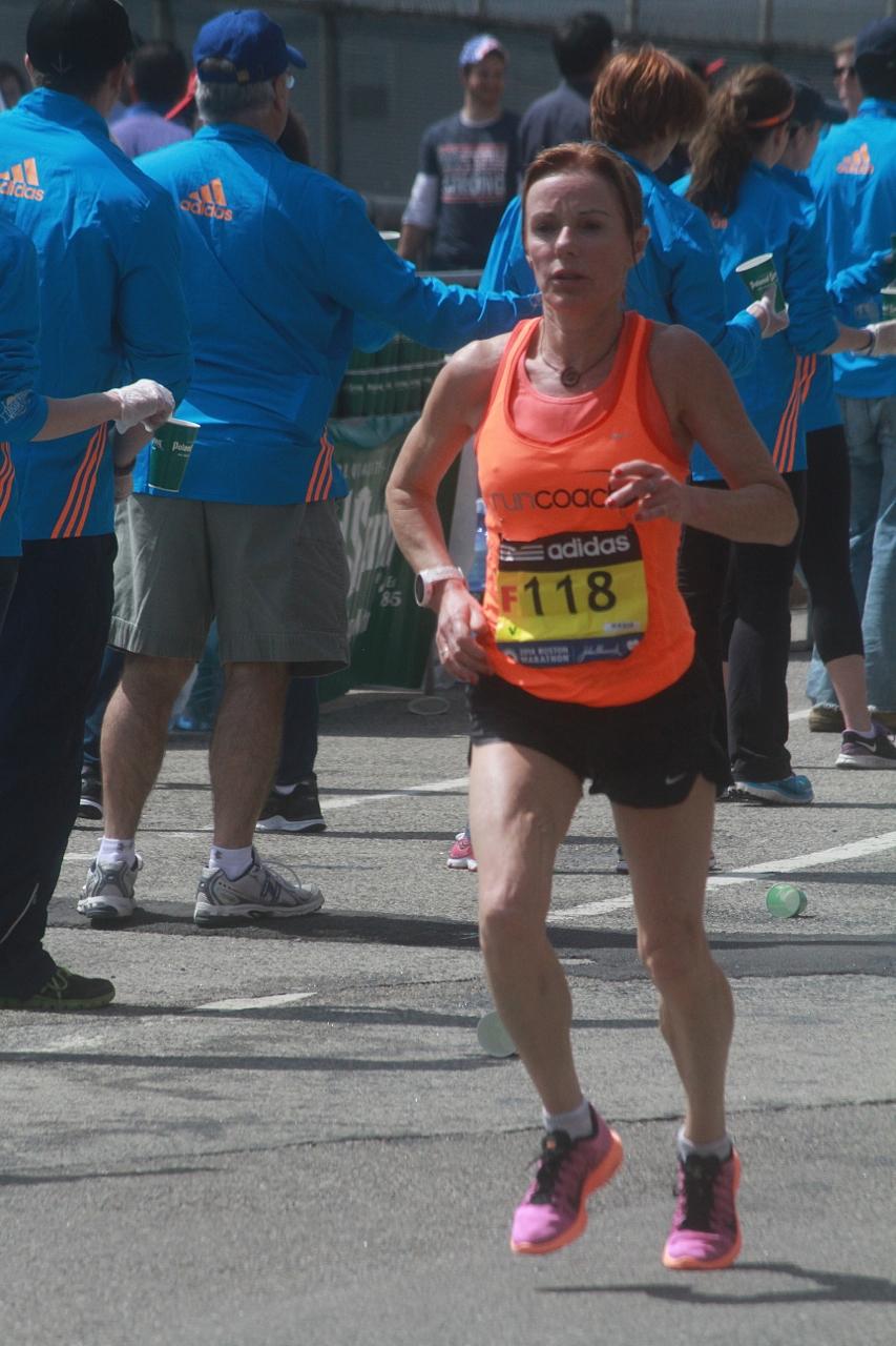 boston marathon april 21 beacon street elite runners number 118