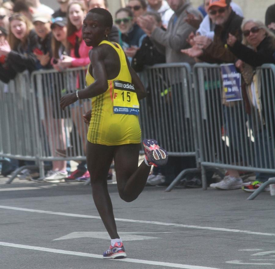 boston marathon april 21 beacon street elite runners philes ongori 2
