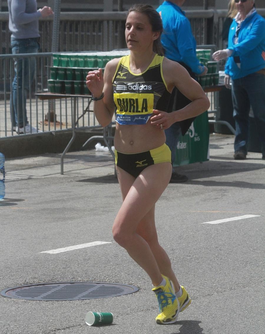 boston marathon april 21 beacon street elite runners serena burla