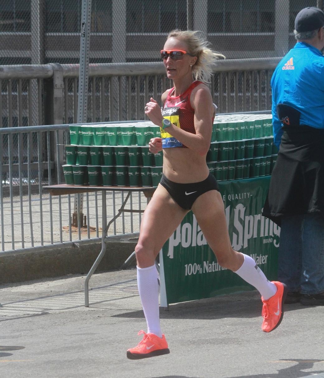 boston marathon april 21 beacon street elite runners shalane flanagan 2