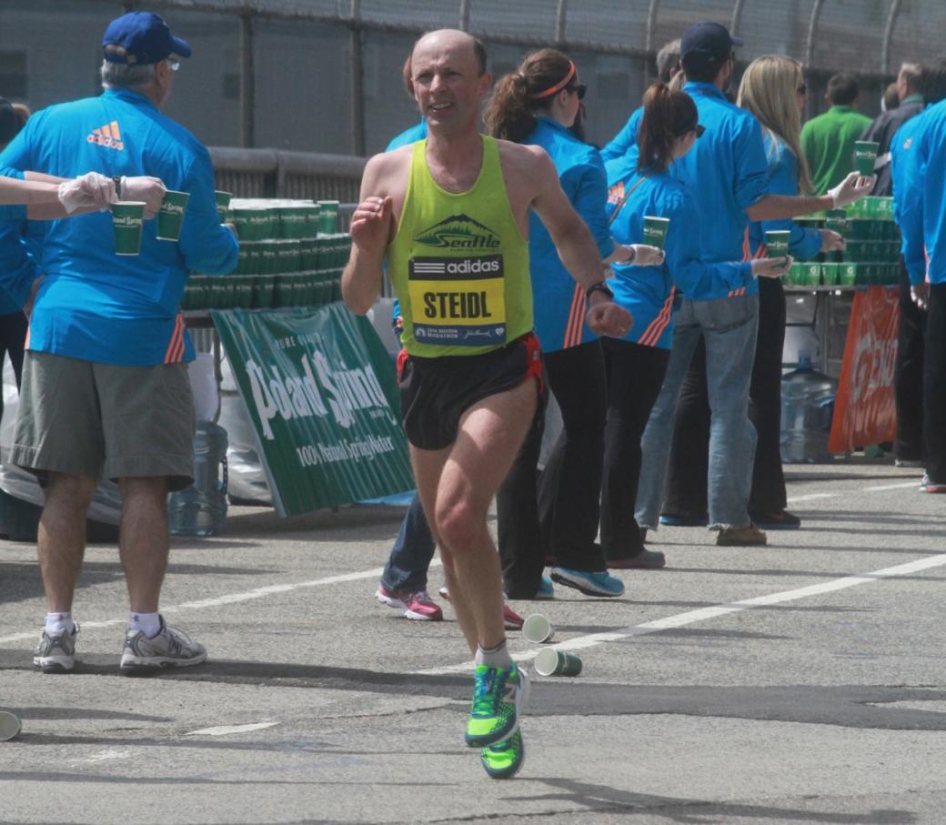 boston marathon april 21 beacon street elite runners steidl