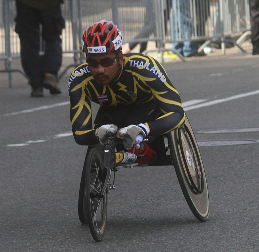 boston marathon april 21 beacon street handicapped racer thailand