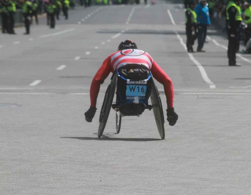 boston marathon april 21 beacon street handicapped racer w16