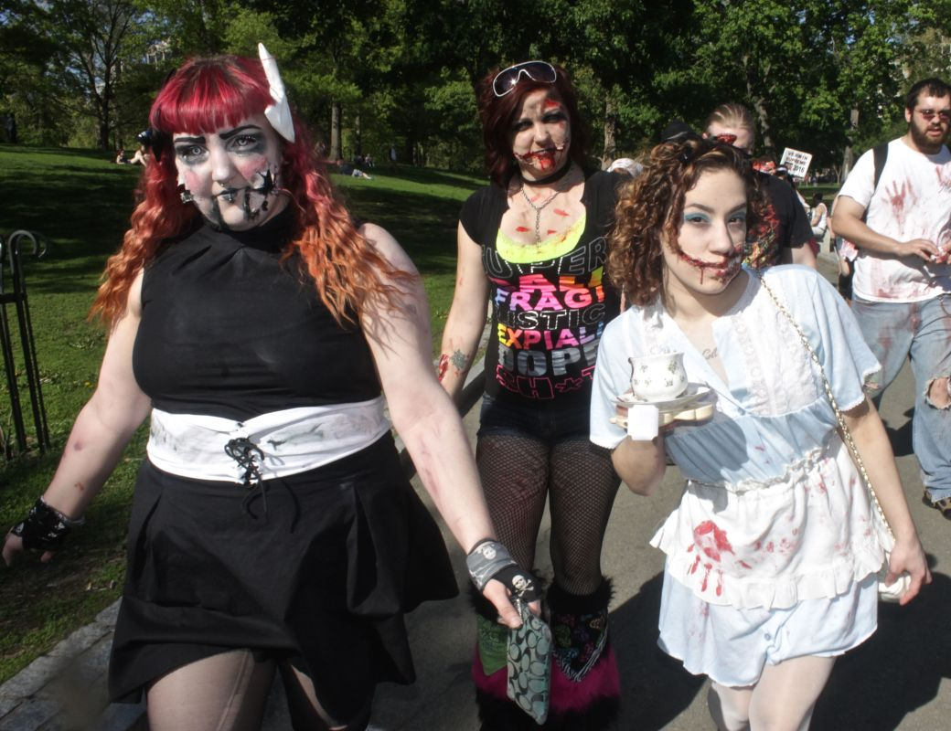 boston zombie walk may 17 38