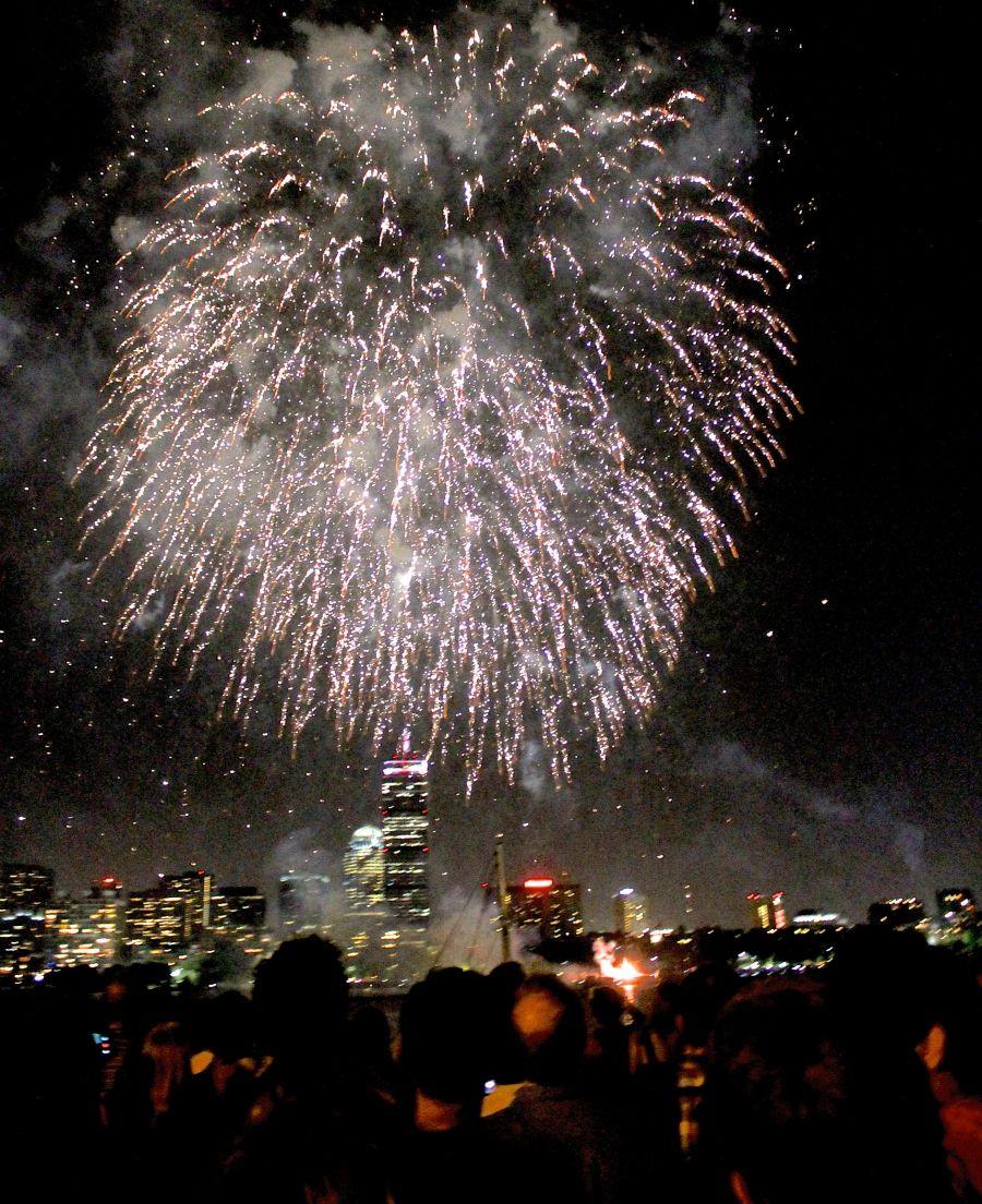 boston july 3 2014 fireworks charles river 13