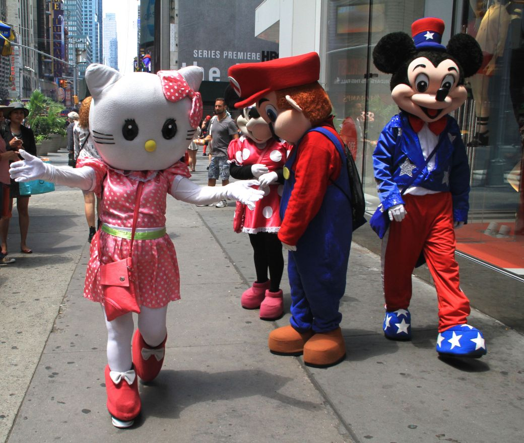 new york city times square hello kitty