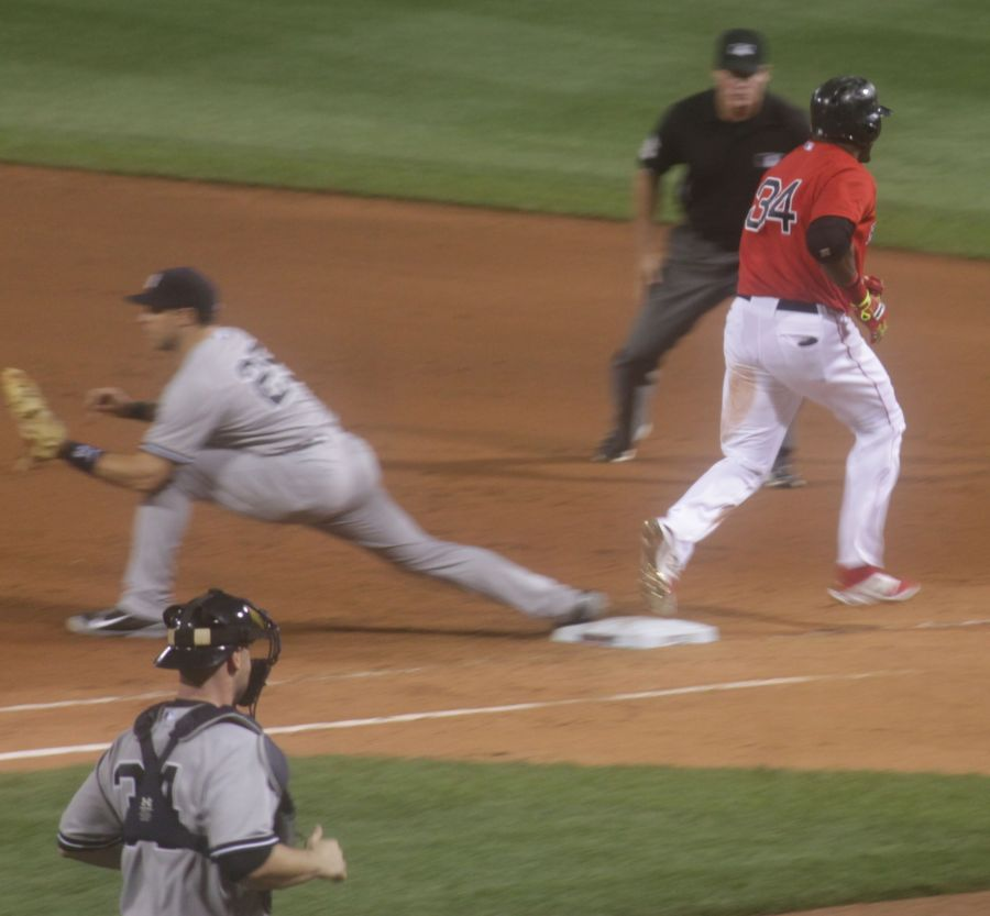 boston red sox fenway park game against yankees august 1 2014 big papi running