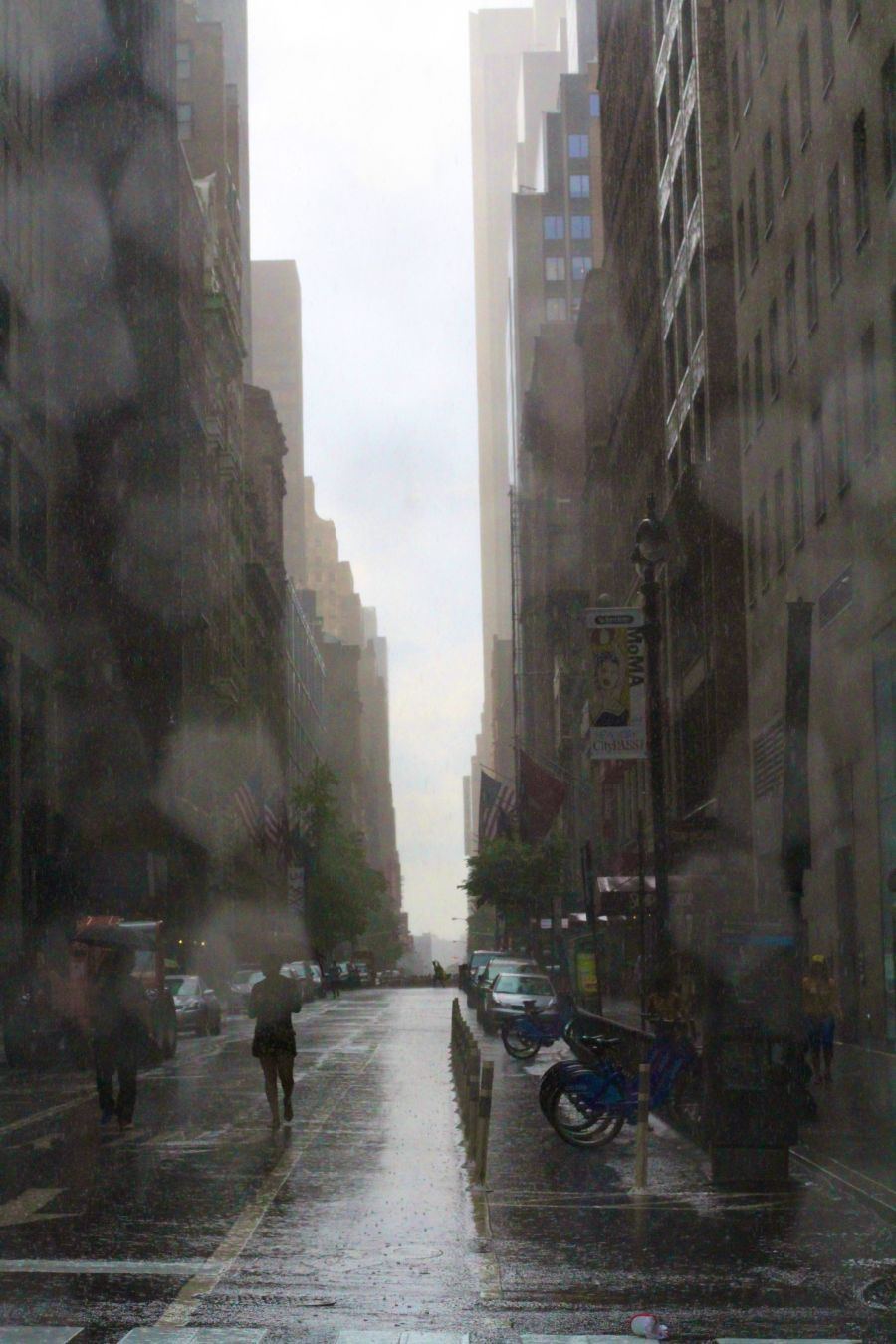 new york city fifth avenue rain street