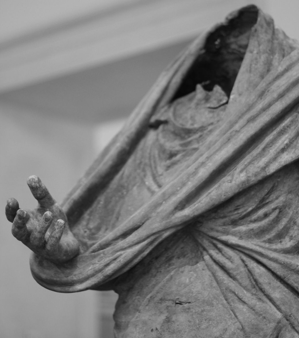 new york city metropolitan museum of art greek and roman sculpture gallery 12